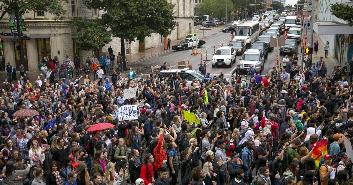 636145056649293491-austin-protests