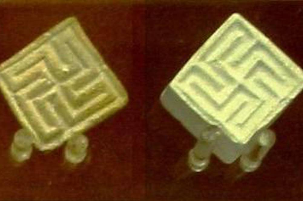 swastikas on indus valley culture seals